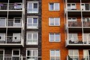 Bytová družstva budou při převodu obecních bytů z majetku samospráv osvobozena od povinné platby daně
