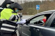 Česko zavedlo elektronický příjezdový formulář pro cestující ze zemí označených jiným než nízkým rizikem nákazy