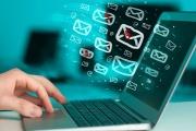 Daňové přiznání zaslané e-mailem s elektronickým podpisem by měla Finanční správa akceptovat bez vytáček