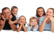 Daňový bonus na děti se od roku 2021 nejspíš zbaví limitu a rodinám s více dětmi tak přinese více peněz