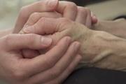 Dlouhodobé ošetřovné bude mít vstřícnější podmínky nejen pro rodiny nevyléčitelně nemocných