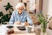Důchody se nově od roku 2022 všem budou valorizovat hned od začátku ledna a ne až od výplatního dne v měsíci
