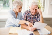 Důchody v roce 2022 nejspíše vzrostou ještě o 300 Kč nad zákonnou valorizaci