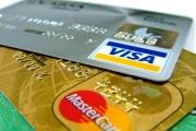 Dvě platební karty zajistí na dovolené větší klid