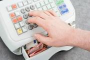 EET pro poslední skupiny podnikatelů začíná od května 2020 a nakoupit i zařídit vše potřebné alespoň s minimálním předstihem je klíčové