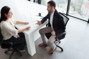 Hodnocení zaměstnanců může probíhat různými způsoby, ale vždy jsou nutné rovné podmínky pro všechny