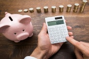 I v roce 2021 je možné uplatňovat daňové slevy a odpočty za rok 2020 a získat zpět z daní i tisíce korun