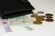 Minimální mzda v roce 2020 bude po dohodě koalice 14 600 Kč