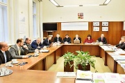 Ministerstvo financí vydá příklady k vedení EET