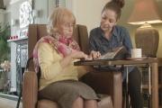 Nový příspěvek pro pečující osoby má šanci sloužit potřebným