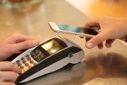 O platební terminál zdarma mohou OSVČ i malé firmy nově žádat až do konce března 2021
