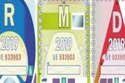 Od února je nutné mít na autech jen aktuální dálniční známky a staré musí pryč