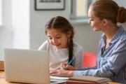 Ošetřovné druhé vlny se zaměstnancům zvýší a bude opět na celou dobu, po kterou bude nutné zůstat s dětmi doma
