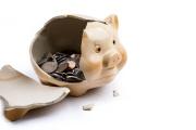 Peníze z druhého pilíře penzijního spoření míří ke klientům