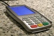 Platby kartou a daně to si jen tak asi ruku nepodá