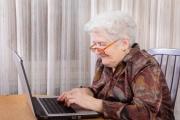 Počítačová a digitální gramotnost je a bude pro seniory stále potřebnější