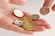 Pokud výdaje za energie znemožní úhradu základních životních potřeb, je možné požádat o dávky