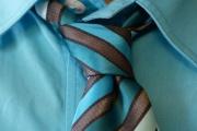 Při vedrech v zaměstnání se často slevuje i z pravidel předepsaného oblečení