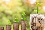 Průměrný důchod by měl v roce 2020 vzrůst na více než 14 200 Kč, ale situace zase nebude stejná pro všechny