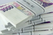 Původ peněz na účtech kontrolují banky i u běžných klientů a v případě nejasností jej mohou chtít doložit