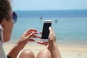 Roamingové příplatky neskončily všude, pořád se vyplatí si telefonování z dovolené promyslet