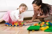 Rodičovský příspěvek by se měl od července 2019 zvýšit o 40 000 Kč