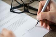 Spotřebitel má možnost zrušit smlouvu o prodeji energií se záštitou dvou zákonů