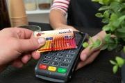 Stravenkovou kartu Sodexo je možné propojit s platební kartou a problém s přečerpaným denní limitem je minulostí