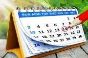 Svátek se do dovolené nezapočítává, pokud připadne na běžný pracovní den, ale pokud je pro zaměstnance pracovním dnem i svátek může si o dovolenou požádat