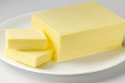 Tuzemské máslo si český zákazník žádá a výrobci i prodejci se jej snaží uspokojit stále lépe