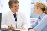 VZP bude od září ženám hradit dřívější prevenci proti rakovině prsu