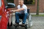 Zaměstnaným zdravotně postiženým se od roku 2020 výše posune hranice krácení příspěvku na pořízení auta