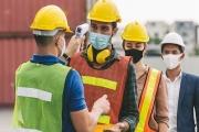 Zaměstnavatelé žádají úpravu legislativy, aby mohli dle potřeby nařídit nošení roušek či testování ve firmě