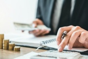 Zrušení superhrubé mzdy a třeba i odvodů na sociální pojištění pro zaměstnance možná už od ledna 2021